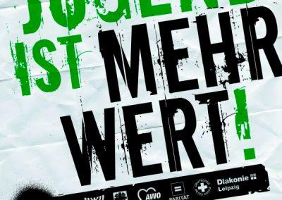In der Wandelhalle des Neuen Rathauses Leipzig protestieren 2013 hunderte Menschen gegen die Etatkürzungen im Jugendamt.