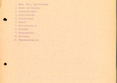 Das Bild zeigt das Deckblatt inklusive Gliederungspunkte des ersten Entwurfes des Statutes des Stadtjugendring Leipzig e.V. Der Runde Tisch der Jugend erarbeitet diesen am 27.03.1990.